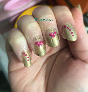 red_flowers_nail_art