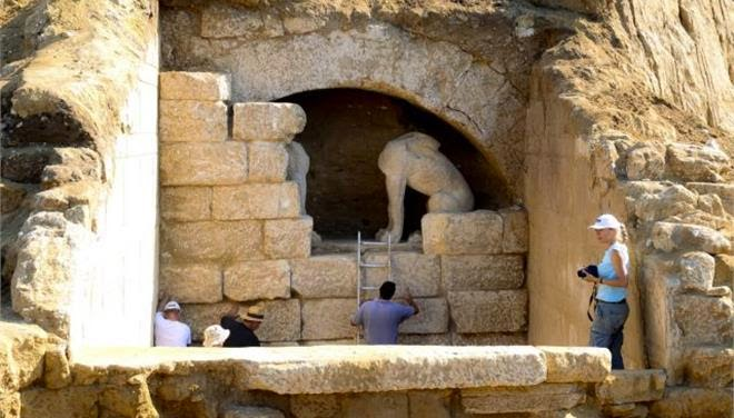 Amphipolis tomb may be linked to Alexander the Great