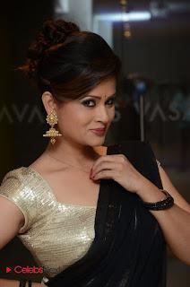 Anchor Shilpha Chakravarthy Stills in Saree at Jeelakarra Bellam Audio Launch  0034.JPG