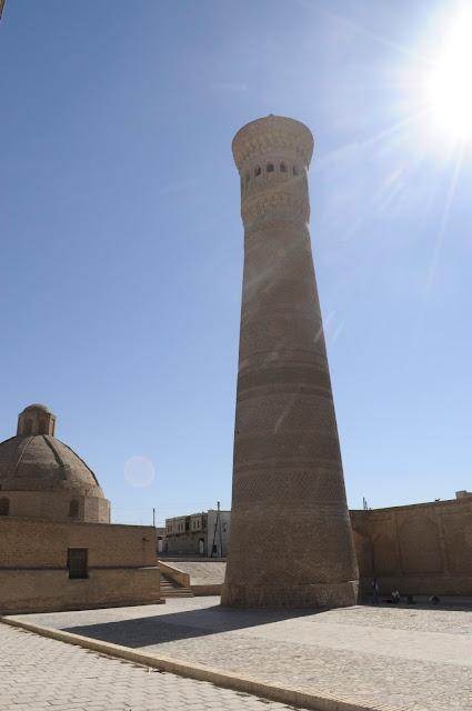 things to see and do in Bukhara Uzbekistan Kalyan minaret
