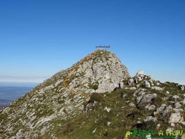 Llegando a la cima de La Mostayal