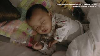 gambar bayi Nor aina yang berusia 8 bulan, tidur awal kerana Mommy ada makan malam