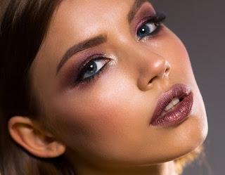 cómo lucir perfectamente  maquillada sin tener daños en la piel