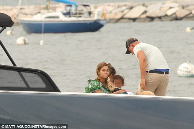 Makeup-free Beyonce cruises on luxury yacht during Hamptons getaway