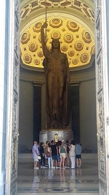El Capitolio statue - Havana