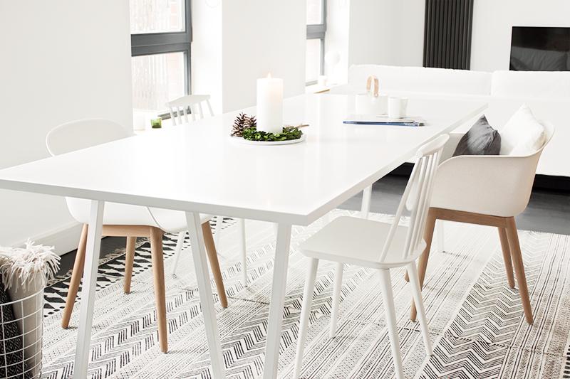 bildsch nes willkommen im tanzsaal. Black Bedroom Furniture Sets. Home Design Ideas