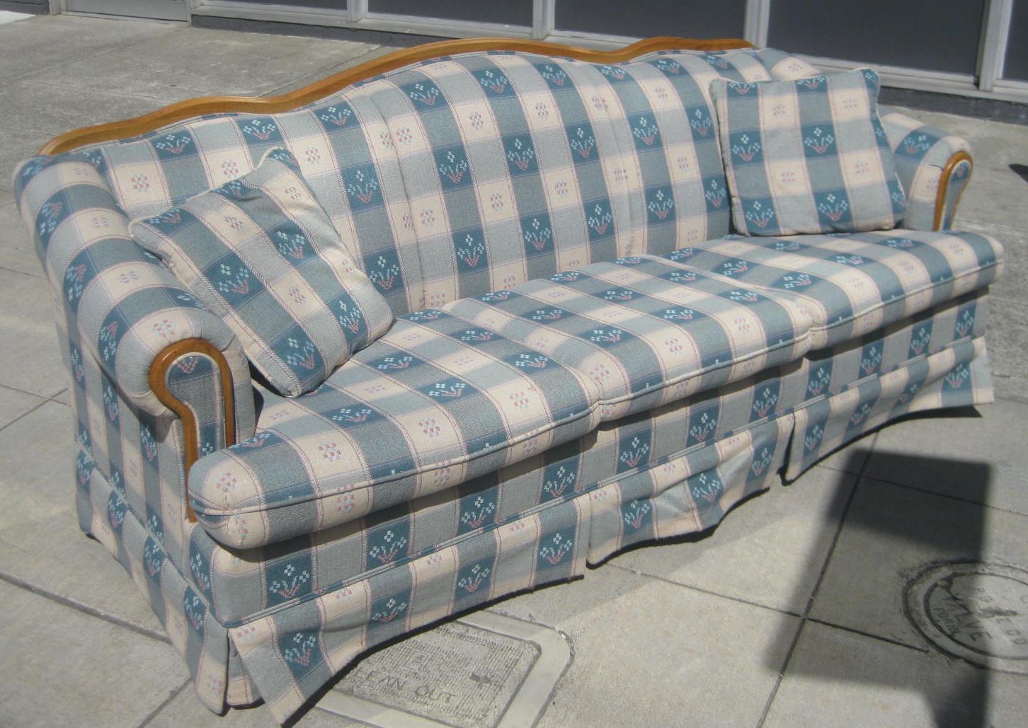 Uhuru Furniture Amp Collectibles Sold Plaid Sofa 60