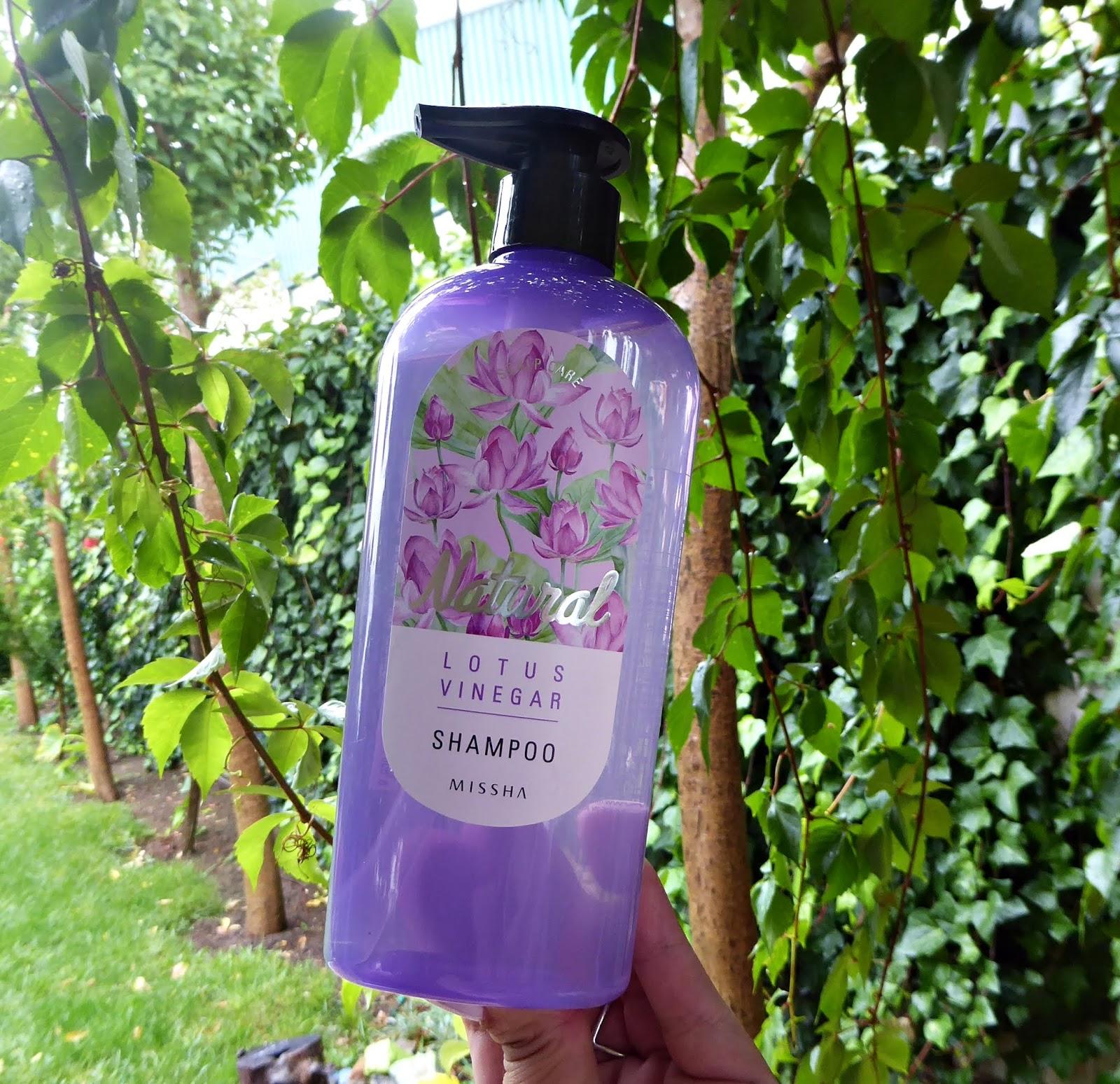 Lotus vinegar shampoo de Missha, champú de flor de loto y vinagre de cosmética coreana
