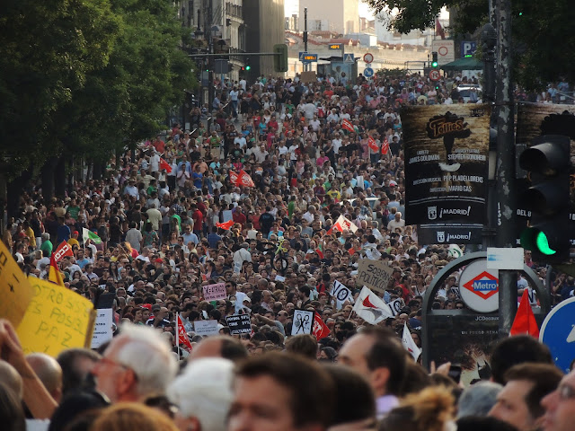 Fotos de la manifestación contra los recortes del Gobierno en Madrid