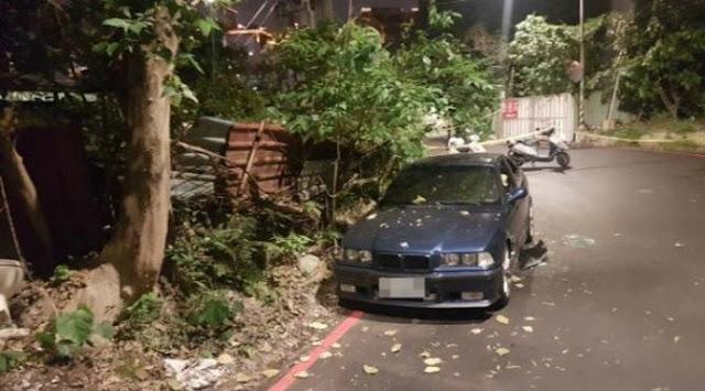 Pasangan pria dan wanita Taiwan yang melakukan seks oral di dalam mobil BMW