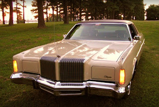 1976 Chrysler New Yorker Brougham Front