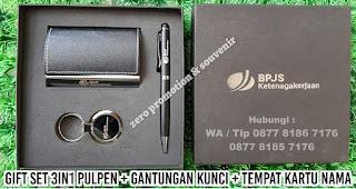 paket bingkisan gift set box 3 In 1, Gift Set Grafir 3 In 1, Gift Set Grafir 3 In 1, Souvenir Gift Set Premium, Paket bingkisan untuk perusahaan, 3 item di dalam 1 box, Custom gift set 3 in 1, Paket Bingkisan Ekslusif termurah yang berlokasi di Tangerang