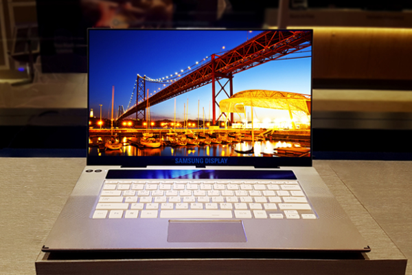 SAMSUNG shows off World's first 15.6-inch 4K OLED display for Laptops/Notebooks