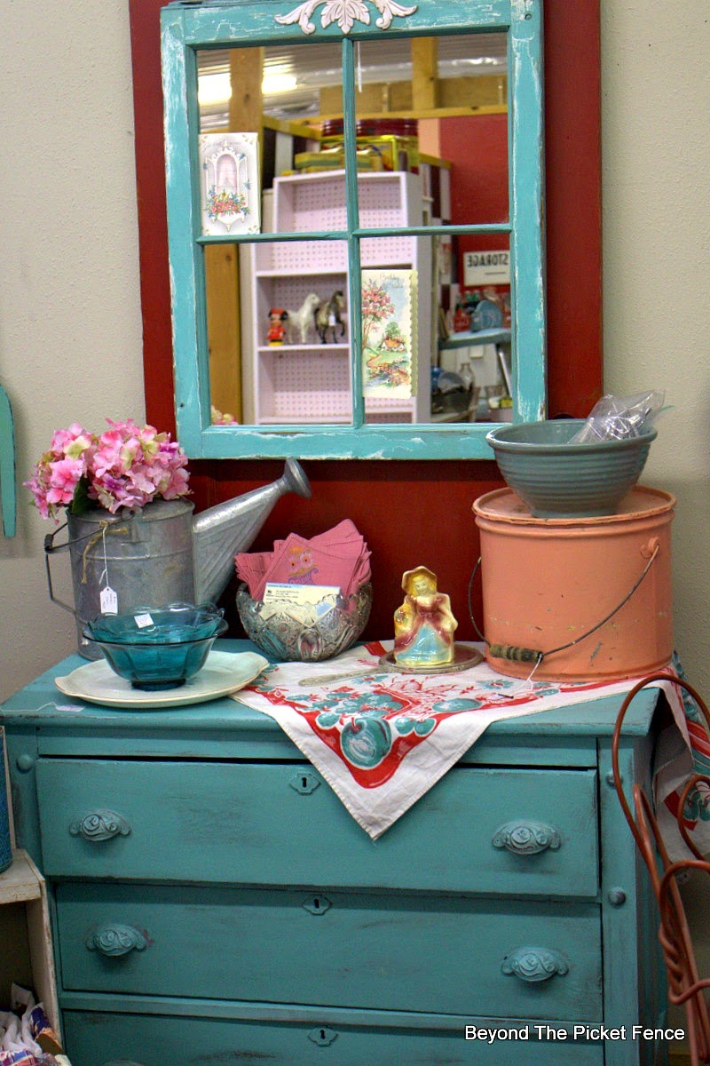 turquoise paint, decor ideas, red door, Beyond The Picket Fence, http://bec4-beyondthepicketfence.blogspot.com/2015/02/5-decorating-lessons-from-store.html