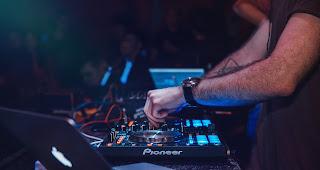 Ich verlose Telekom Electronic Beats Clubnight Tickets für Giraffi Dog und DJ Normal 4 in Wuppertal