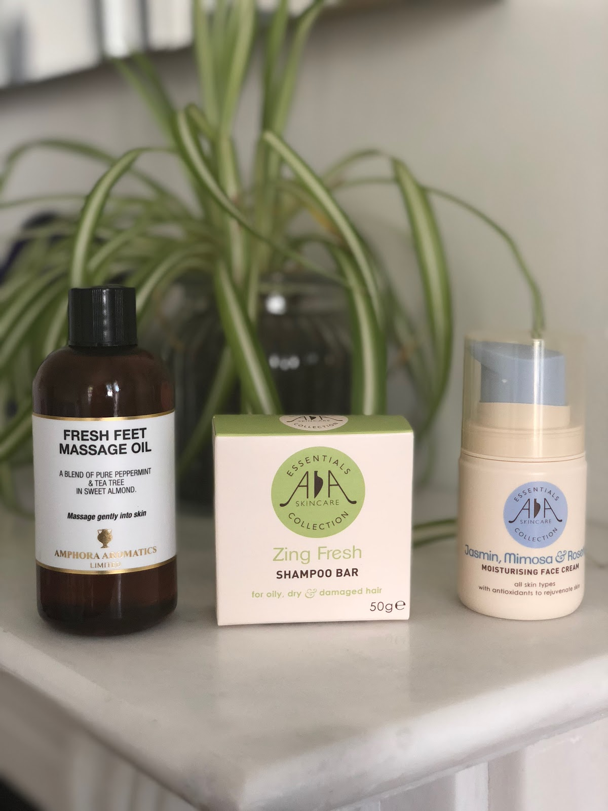 New review with AMPHORA AROMATICS products Nouvel avis