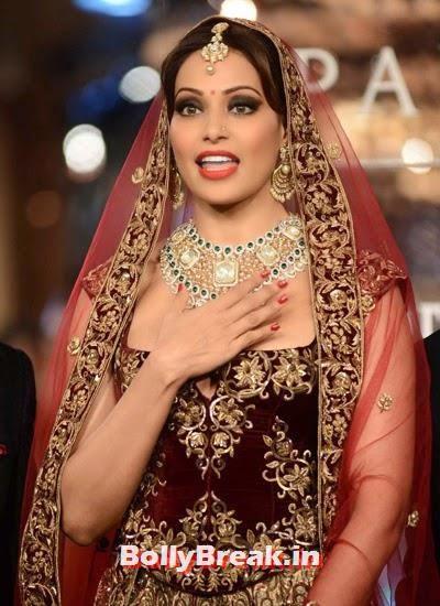 , Bipasha Basu Dress Pics from ICW 2014
