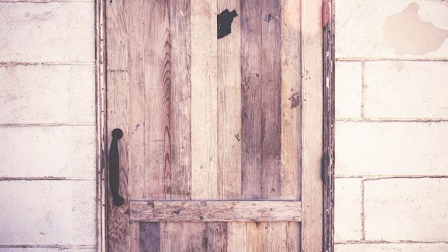 La technique du pied dans la porte ou comment influencer et obtenir sans imposer