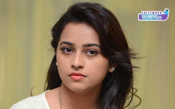 Sri Divya Heroine Accuses Telugu Directors!
