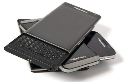 BlackBerry reports $670 mn loss, may exit smartphone business