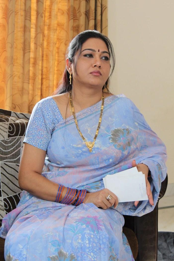 Telugu Artist Hema Aunty Photos  Cine Wallet-4907