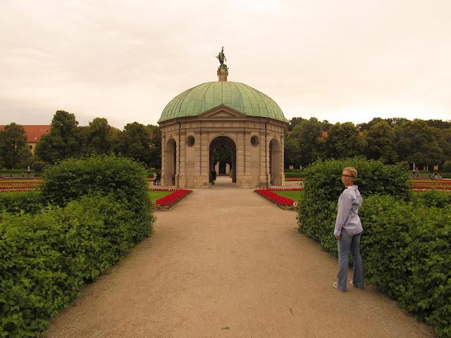 Hofgarten ou Jardim da Corte e o Templo de Diana O que ver na Alemanha