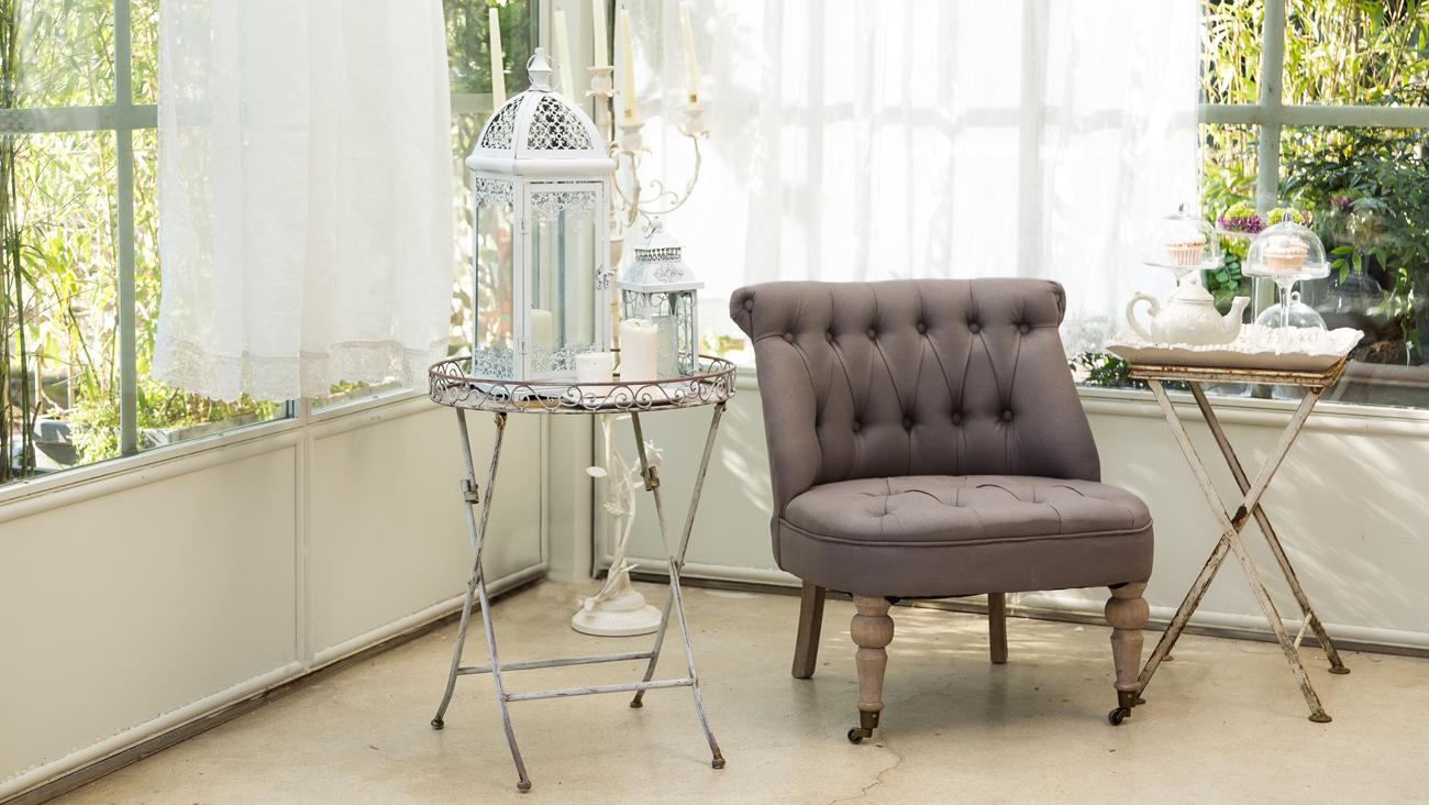 una casa in stile provenzale shabby chic interiors. Black Bedroom Furniture Sets. Home Design Ideas