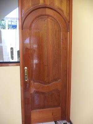 Puerta de Ingreso en Madera