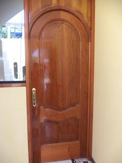 Puertas de madera en Jesús María