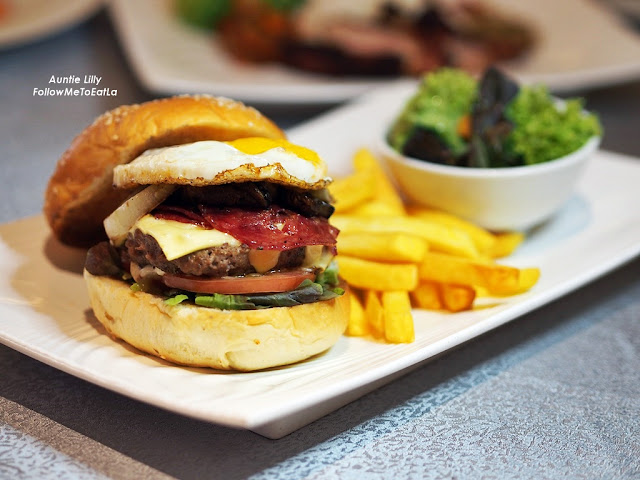 Homemade Classic Burger (Chicken or Beef) RM 34 Nett