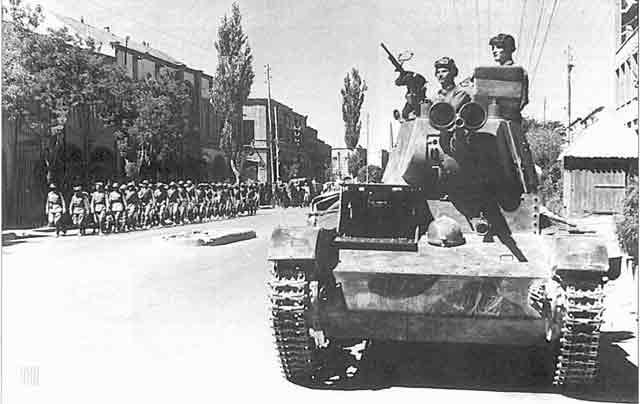A Soviet T-26 tank in Tabriz, Iran 17 September 1941 worldwartwo.filminspector.com