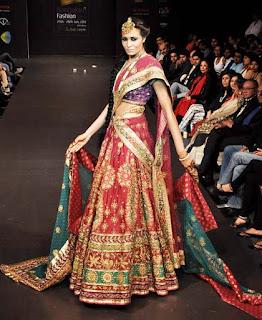 Stylish-Designer-Bridal-Lehenga-Designs-2017-By-Ritu-Kumar-8