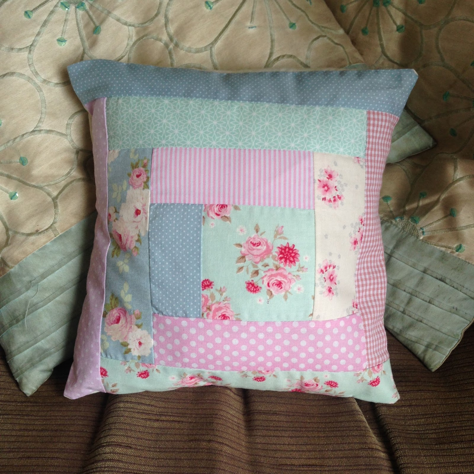 how to make a patchwork cushion with envelope back