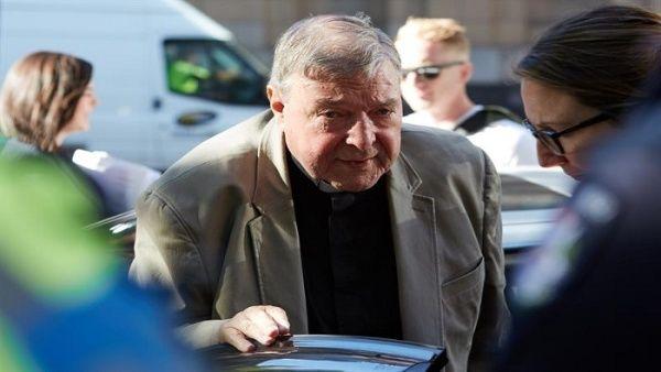 Detienen a cardenal australiano condenado por pederastia
