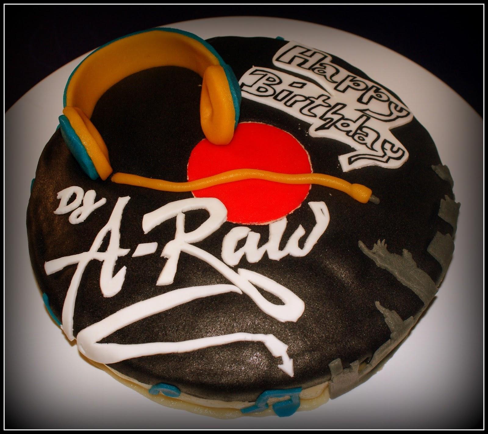Diese Torte Habe Ich Gemeinsam Mit Herrn Backschaaf Fur Unseren Lieben Andi Dj A Raw Zum 40 Gebastelt