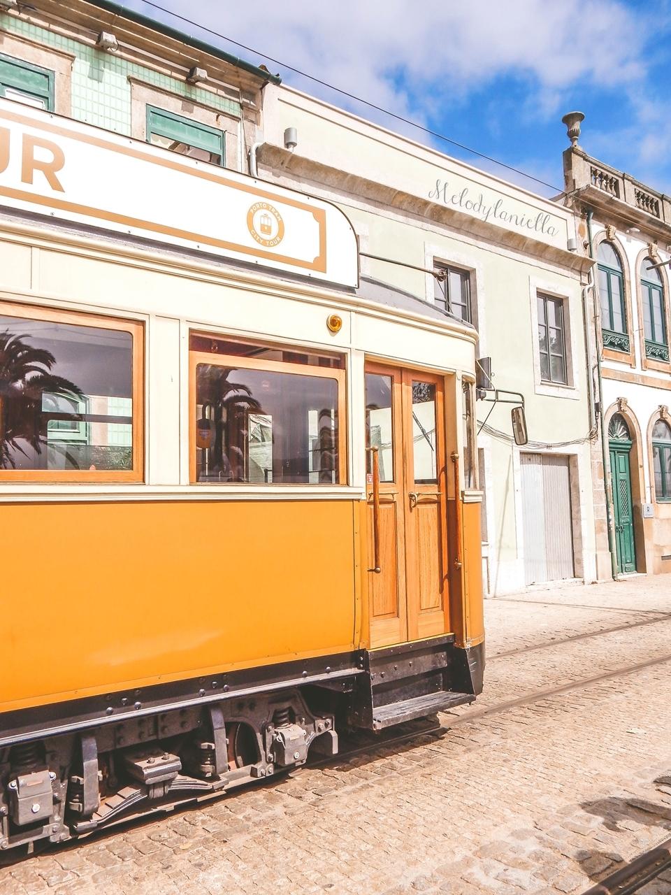 2a-2  co zobaczyć w Porto w portugalii ciekawe miejsca musisz zobaczyć top miejsc w porto zabytki piękne uliczki miejsca godne zobaczenia blog podróżniczy portugalia melodylaniella