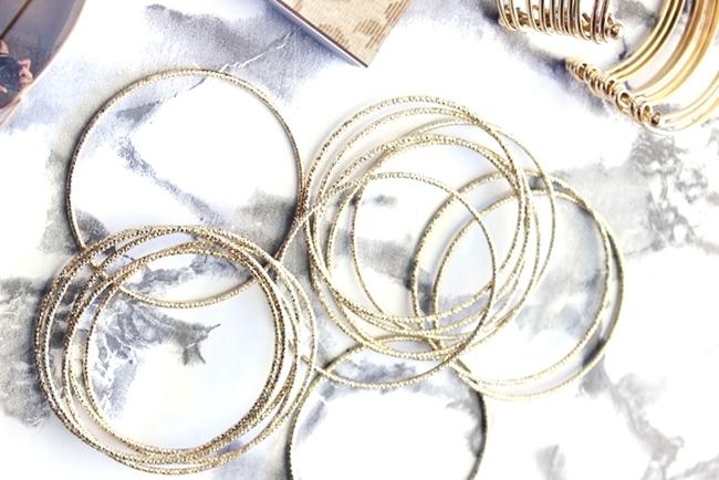 H&M zlatne narukvice set