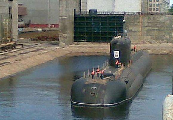 Kapal Selam Hidrogen pertama Rusia B-90 Sarov