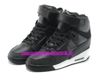 sports shoes 39a3c b74e2 Nike Air Revolution Sky Hi GS - Chaussure Montante Nike Pas C her Pour  Femme Noir Blanc 599410-003