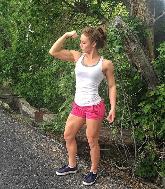 Fitness Model Kryss DeSandre