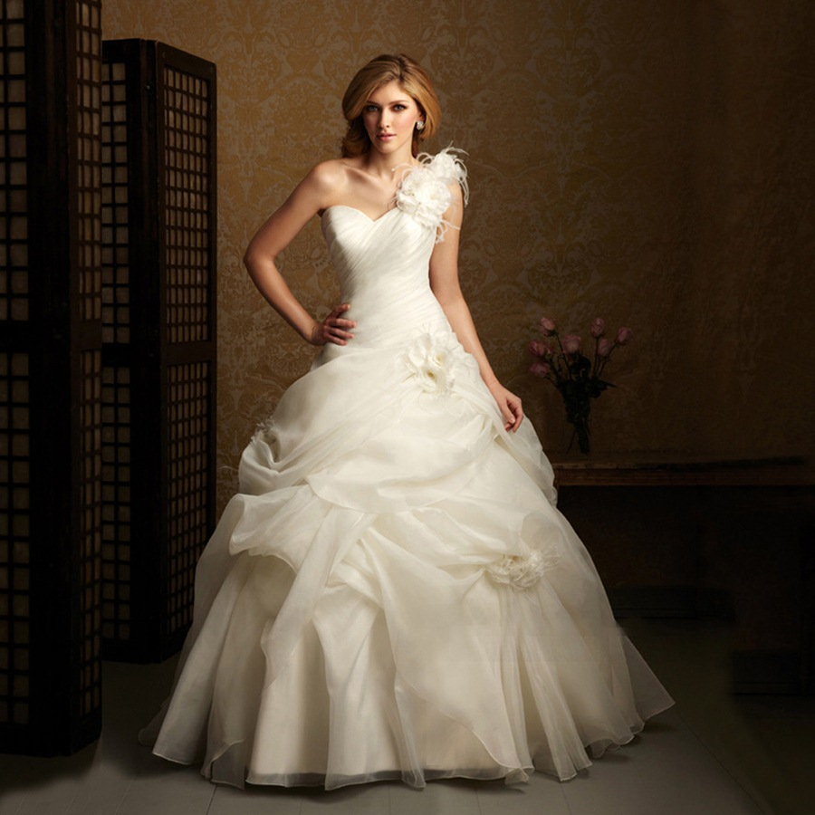 Pictures Of Wedding Dresses For Older Brides