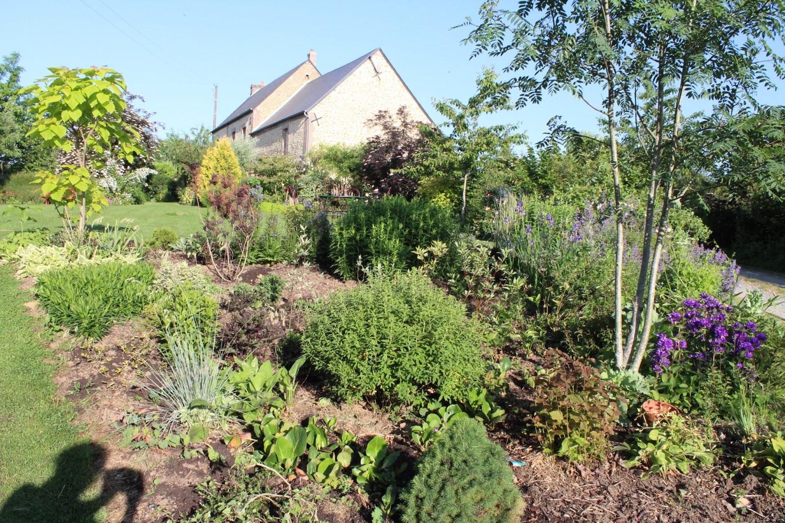chambres d 39 h tes au jardin des violettes catalpa aur a. Black Bedroom Furniture Sets. Home Design Ideas