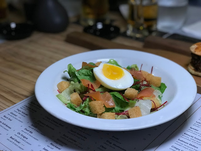 caesar-salad-hardboiled-egg