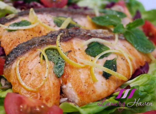Healthy Pan Seared Salmon Salad With Himalayan Crystal Salt