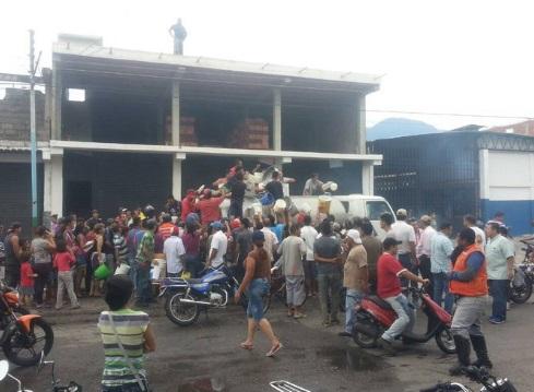 Derecha sabotea distribución de alimentos a capitales de Venezuela