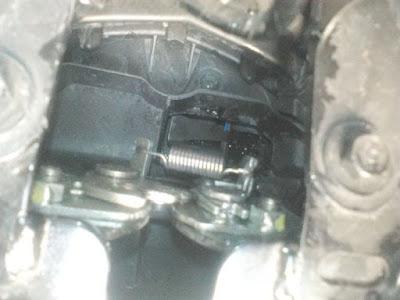 Cara Membuka Jok Motor Honda BeAT Tanpa Kunci_