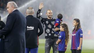 El Camp Nou despidió a los grande a Javier Mascherano