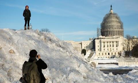 Az amerikai Középnyugaton hóviharok dúlnak, Kansas államban rendkívüli állapotot hirdettek