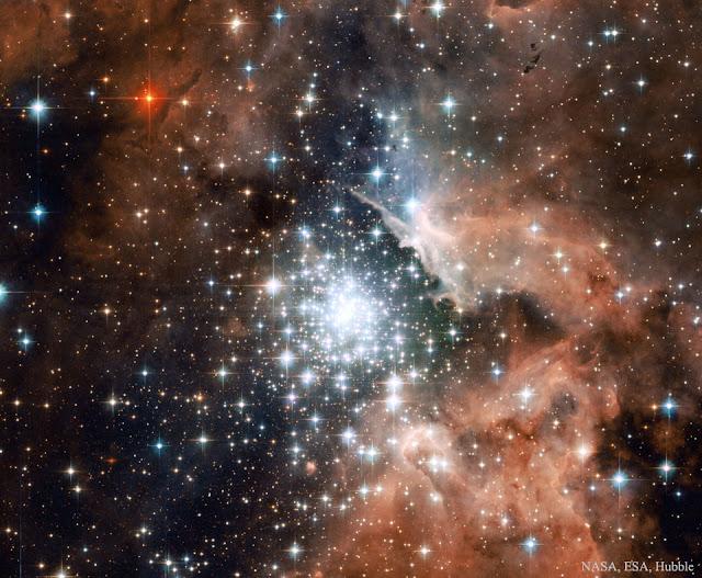 Khu vực hình thành sao bên trong NGC 3603. Bản quyền hình ảnh: NASA, ESA, Hubble Heritage (STScI/AURA)-ESA/ Hubble Collaboration; Lời dẫn: J. Maiz Apellaniz (Inst. Astrofisica Andalucia) et al., & Davide de Martin (skyfactory.org).