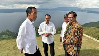 Jokowi dan Para Menteri Bangga Indahnya Danau Toba